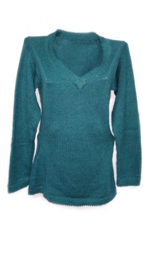 Alpaca-wool-sweater-with-v-neck-054
