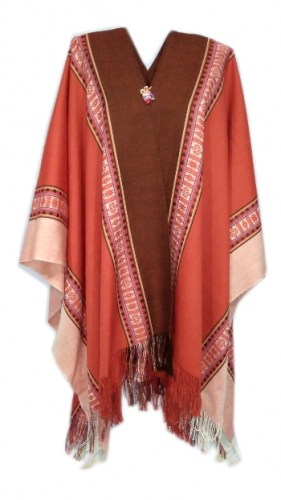 Long-poncho-of-alpaca-wool-with-Andean-decorations-095