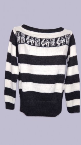 Striped-alpaca-wool-sweater-with-Andean-decorations-049