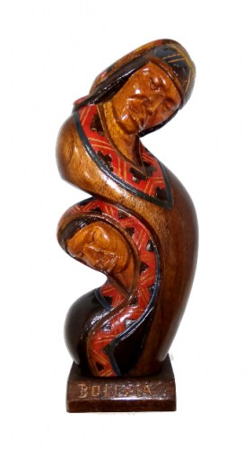 abstract-wood-carving-of-Bolivian-peasants-291