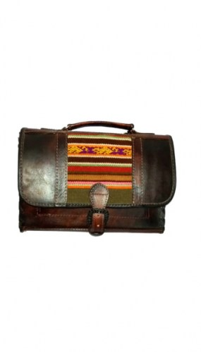 leather-suitcase-with-andean-decorations-215